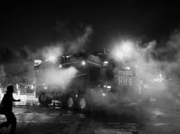 Wasserwerfer der Hamburger Polizei im Einsatz während des G20 Gipfels