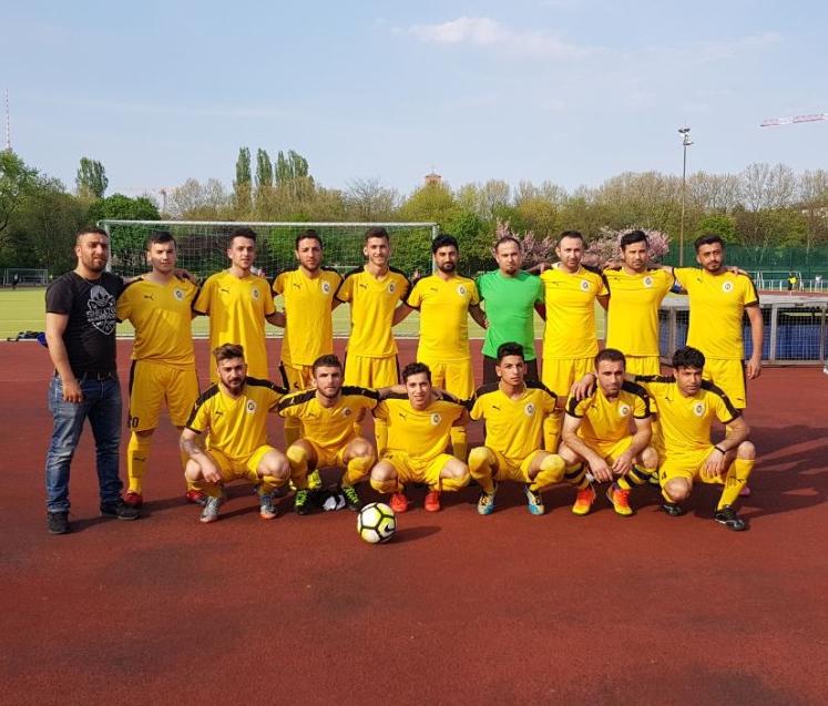 """Kurdisch Kicken – die Geburt des """"FC Rojava"""""""