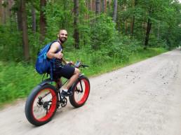 Murtaza mit dem Fahrrad unterwegs